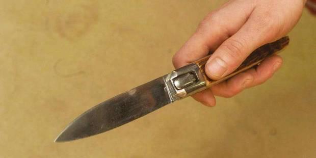 Un homme blesse son frère à coups de couteau - La DH