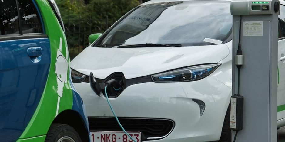 """Un Belge a upgradé les batteries de sa Renault Zoé: """"La voiture électrique n'a pas de défauts"""" - La DH"""