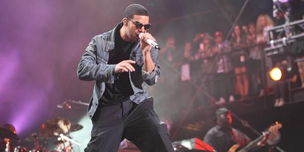 """Drake menace de """"botter le cul"""" à un fan en plein concert - La DH"""