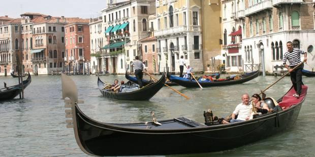 Venise: un couple de Français vole une gondole et finit dans l'eau - La DH