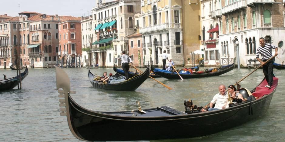 Venise: un couple de Français vole une gondole et finit dans l'eau