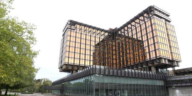 Boitsfort : Les 80 sans-papiers pourraient occuper le bâtiment Axa dès février 2018 - La DH