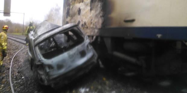 Trafic ferroviaire interrompu entre Piéton et La Louvière suite à une collision entre un train et une voiture - La DH