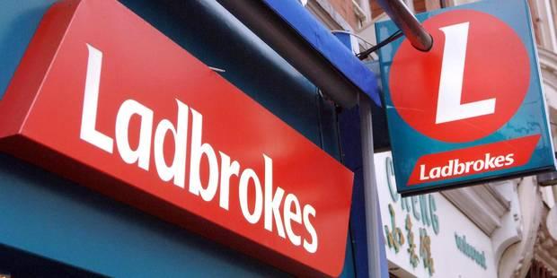 Mouscron: attaque au marteau et à la bombe lacrymogène dans un Ladbrokes - La DH