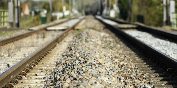Enghien: une personne renversée par un train à cause de son sac à dos - La DH
