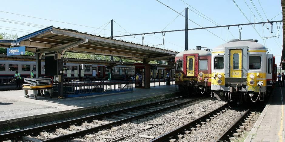 Les quais de la gare d'Ottignies.