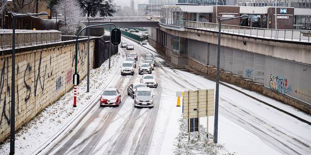 Chaos sur les routes à Bruxelles: l'épandage n'est pas la panacée - La DH