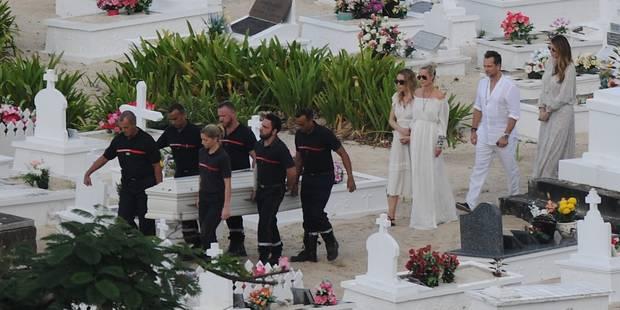 Tant de douceur pour les funérailles de Johnny : les photos de la cérémonie - La DH