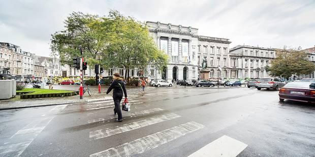 Liège : la place du XX Août enfin accessible aux cyclistes ! - La DH