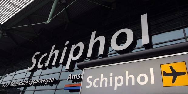 Pays-Bas: la police militaire tire sur un homme armé d'un couteau à l'aéroport de Schiphol - La DH