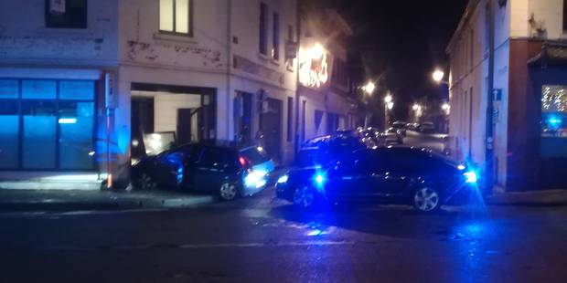 Jemappes: une voiture fonce dans une façade après une course-poursuite (+PHOTOS) - La DH