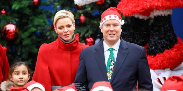 Le prince Albert a osé le bonnet et la cravate de Noël ! - La DH
