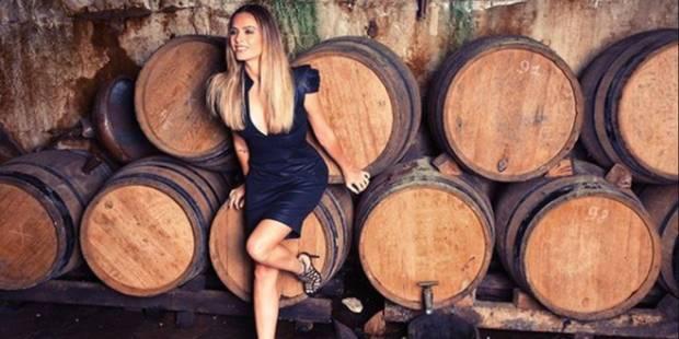 Attaquée sur son champagne, Clara Morgane répond avec humour à un descendant de la maison Cazanove - La DH