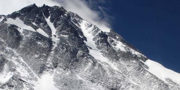 Le Népal interdit l'ascension de l'Everest en solitaire - La DH