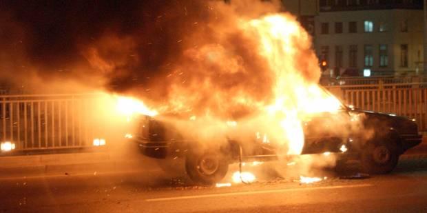 Les pyromanes étaient de sortie à Mouscron la nuit du réveillon - La DH