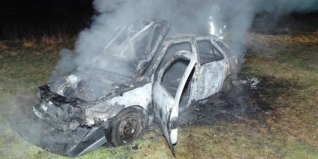 Mouscron-Estaimpuis: Véhicules incendiés, fléau à la frontière - La DH