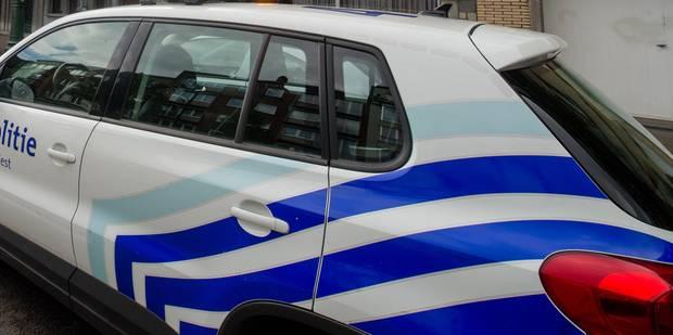 Bruxelles: la police de Saint-Gilles ciblée par un jet de pétard et de cocktail Molotov - La DH