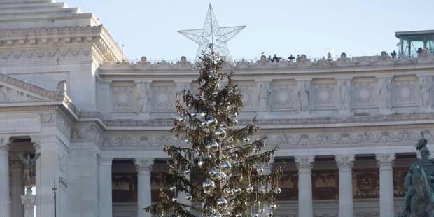 """L'arbre de Noël """"déplumé"""" de Rome pourrait finir au musée - La DH"""