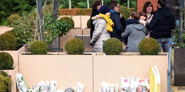 Les fans rendent un dernier hommage à France Gall à Nanterre - La DH