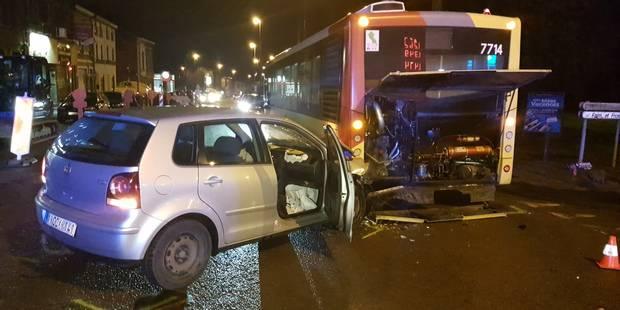 Gilly : blessé lors d'une collision avec un bus - La DH