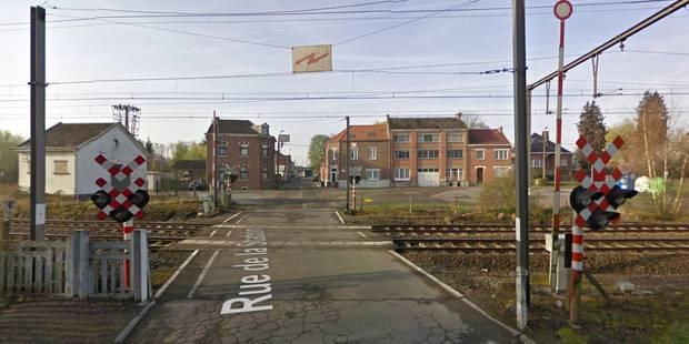 Camion percuté et broyé par un train à Berloz, le chauffeur est indemne ! (VIDEO) - La DH