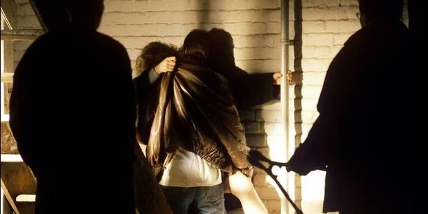 Etudiante séquestrée et violée par cinq hommes à Charleroi: l'une des scènes aurait été filmée - La DH