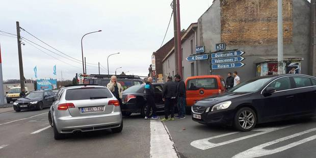 Carambolage impliquant 5 voitures à Boussu - La DH