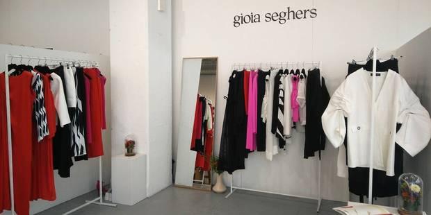Après le vol de sa collection à Noël, la créatrice Gioia Seghers organise une vente pour redémarrer - La DH