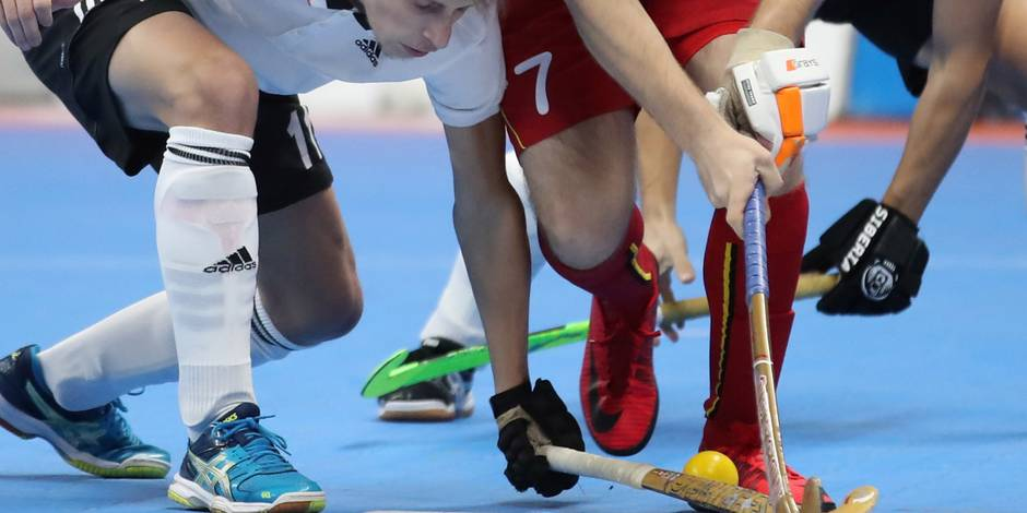 Hockey en salle: Éviter la descente? et le Racing - La DH