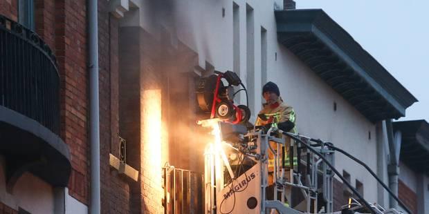 Incendie mortel en 2017 : le Foyer schaerbeekois inculpé - La DH