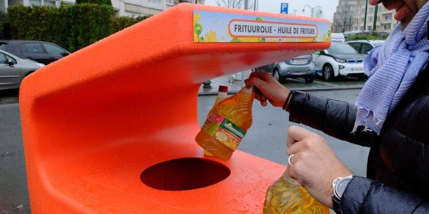 Coppens demande plus de points de collect des huiles de friture ménagères