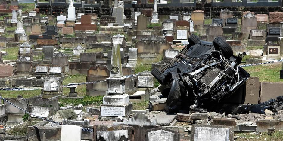 Alcoolisé, il termine sa course dans un cimetière et détruit sa voiture