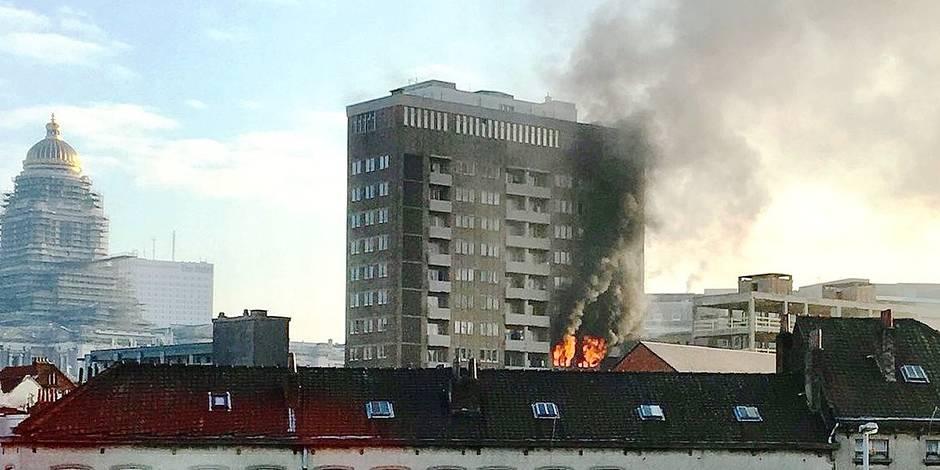 Un immeuble social de la rue Haute proie des flammes - La DH