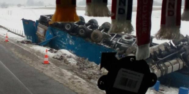 Perturbations sur l'autoroute E 411 à la suite d'un accident - La DH