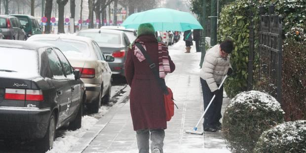 Charleroi: centre-ville verglacé, commerçants scandalisés - La DH