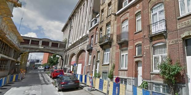 Deux personnes hospitalisées et une famille évacuée après un incendie à Molenbeek - La DH