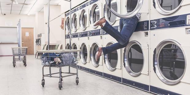 Voici pourquoi il vaut mieux laver les vêtements que l'on vient d'acheter avant de les porter - La DH