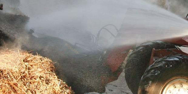 Incendie à Houffalize: 60 tonnes de foin parties en fumée ! - La DH