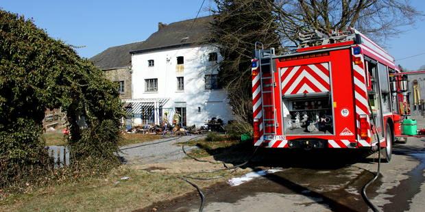 Une habitation partiellement détruite par un incendie à Havelange - La DH