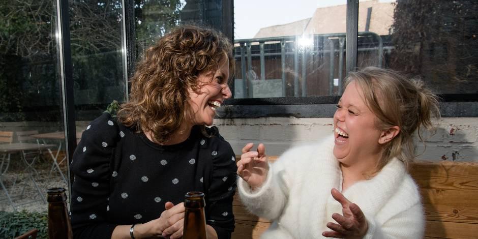 Meilleur Voiture 2018 >> Sara et Karen De Paduwa : un regard tendre et complice - La DH