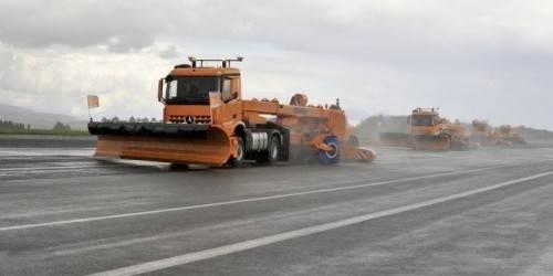 Mercedes teste le déneigement en trucks autonomes sur les aéroports - La DH
