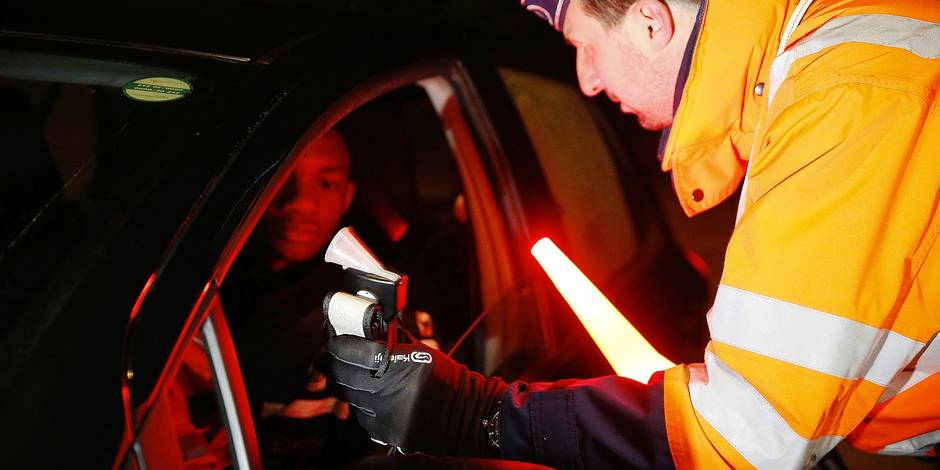 Illustration picture shows an alcohol control action of police zone VLAS, the launch of the 2017-2018 Bob campaign, on Saturday 02 December 2017 in Kuurne. The Bob campaign aims to raise awareness of the dangers of drink-driving. BELGA PHOTO NICOLAS MAETERLINCK