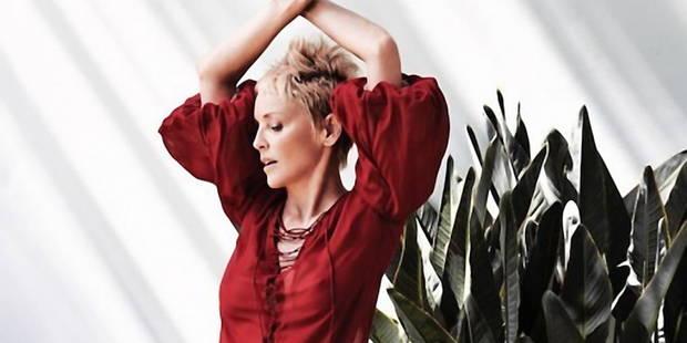 Sharon Stone radieuse et magnétique à 60 ans - La DH