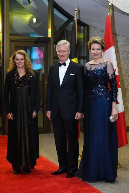 Une robe du soir qu'elle portait le deuxième jour, pour un concert en l'honneur de la Belgique, à Ottawa.