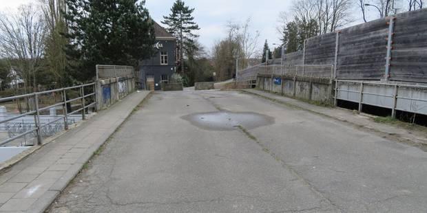 Uccle: une zone kiss & ride sur l'ancien pont de la gare de Linkebeek - La DH