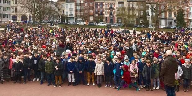 Saint-Gilles : 1.500 enfants chantent Résiste de France Gall pour la paix - La DH