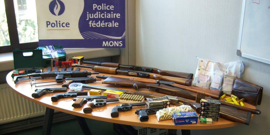 Deux frères arrêtés pour détention d'armes prohibées — Colfontaine