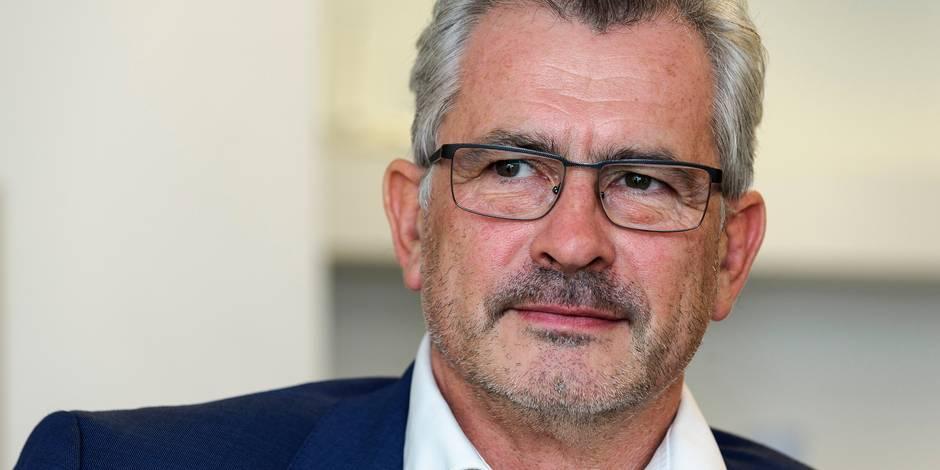 """Bernard Clerfayt (Défi) : """"Les promesses électorales, les gens s'en foutent"""""""