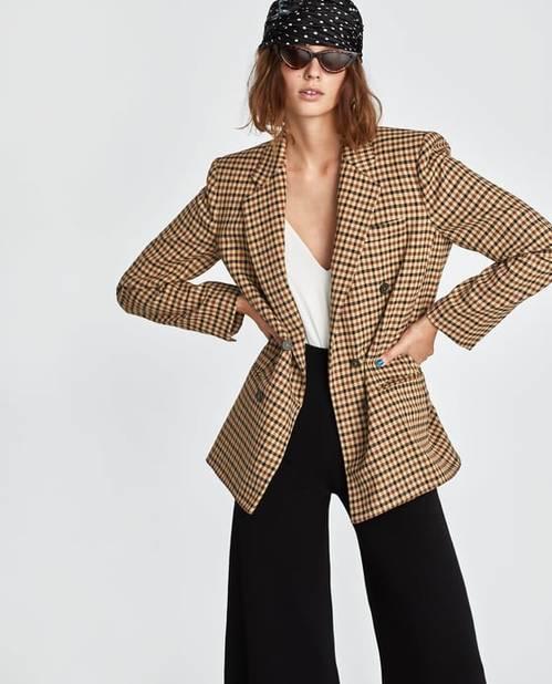 Zara. Veste à carreaux.               89,95 euros