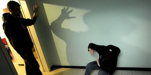 Tubize : il démonte les poignées de fenêtre pour séquestrer sa femme - La DH